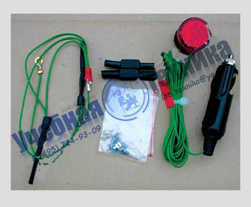 Устройство свето и аудиосигнализации к универсальным дублирующим педалям сцепления и тормоза